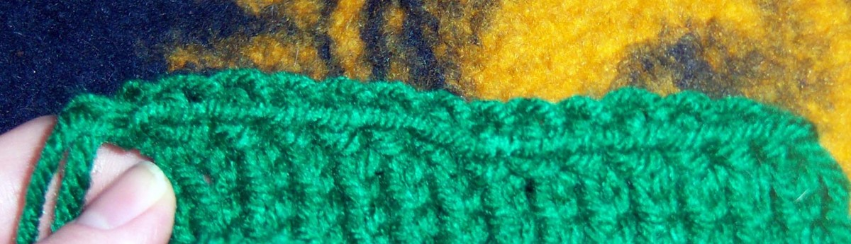 Elastic bind off as viewed from the front.