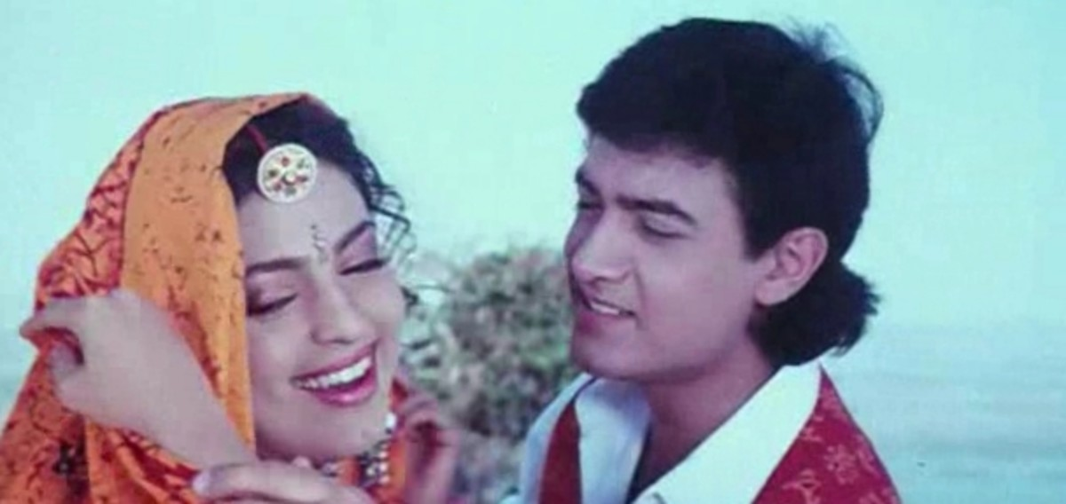 Juhi Chawla and Aamir Khan in Hum Hain Rahi Pyar Ke.