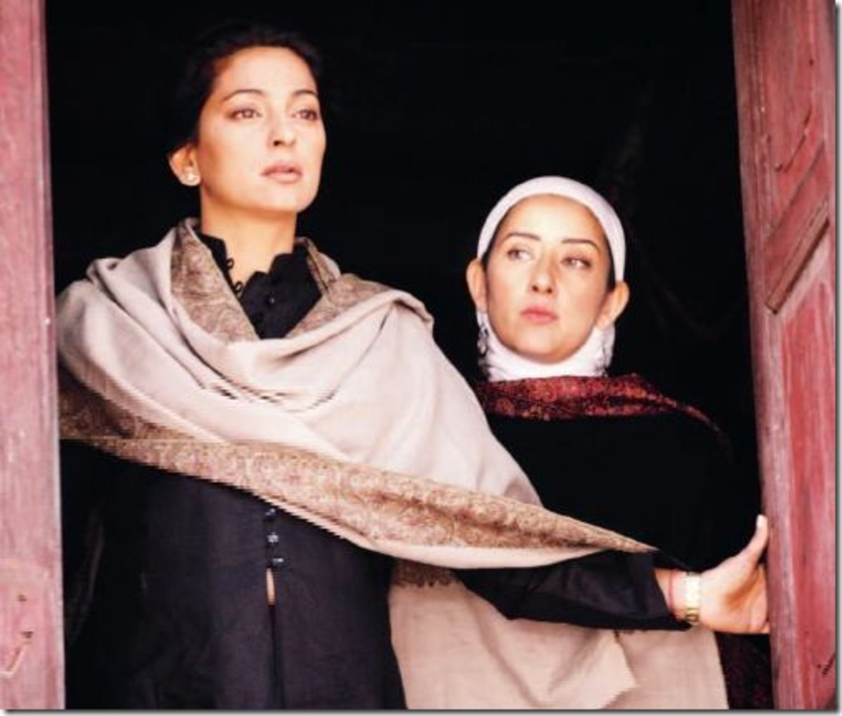 Juhi Chawla and Manisha Koirala in I am Megha