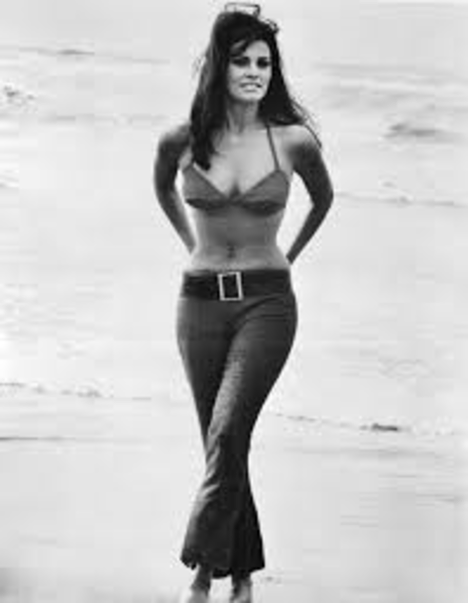 Even In bell bottoms, Raquel is beautiful