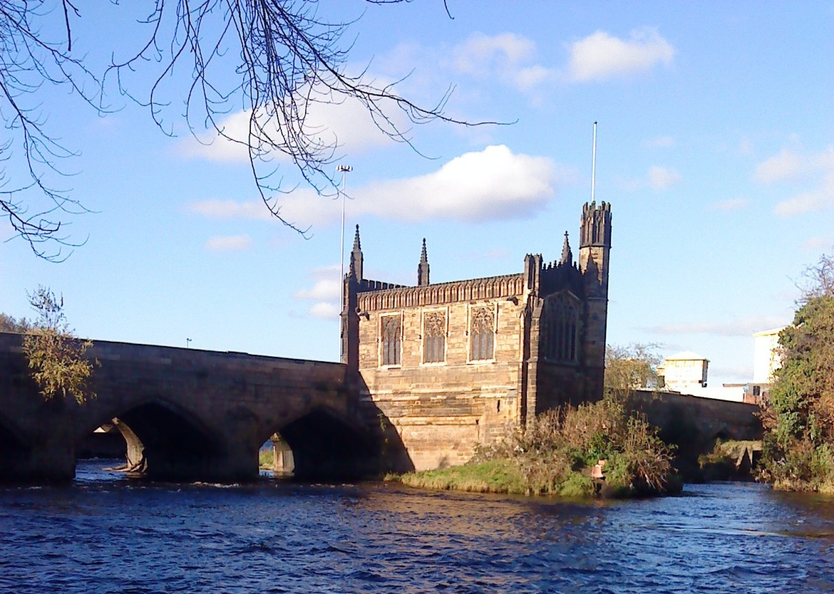 Chantry chapel over the River Calder