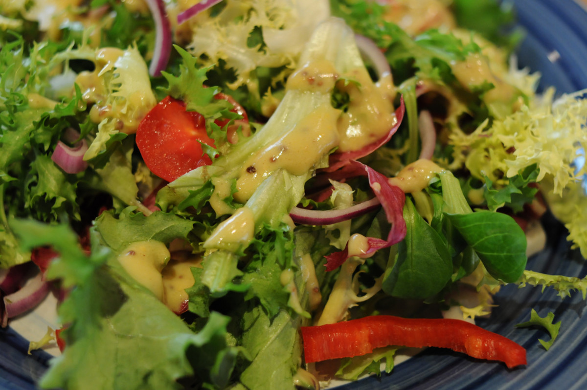 Add nutritional yeast salad dressing to your favorite salads!