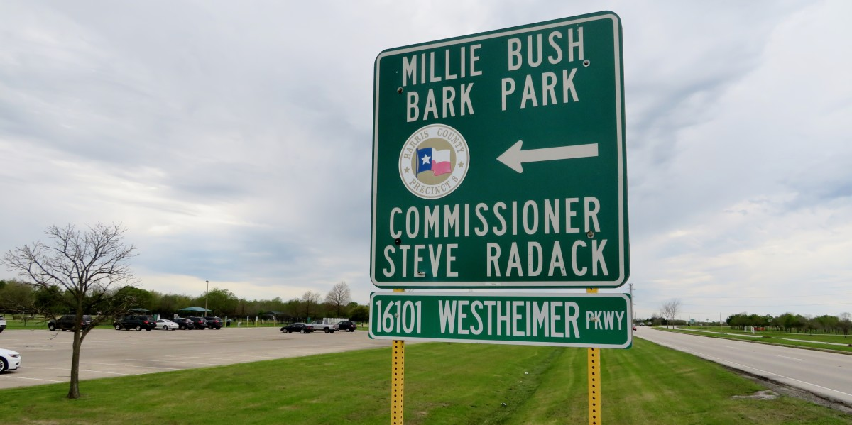 Sign pointing to the Millie Bush Bark Park