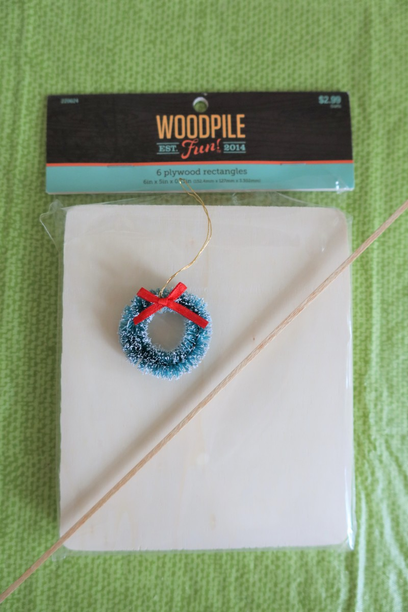 diy-christmas-craft-how-to-make-a-miniature-winter-window-tree-ornament