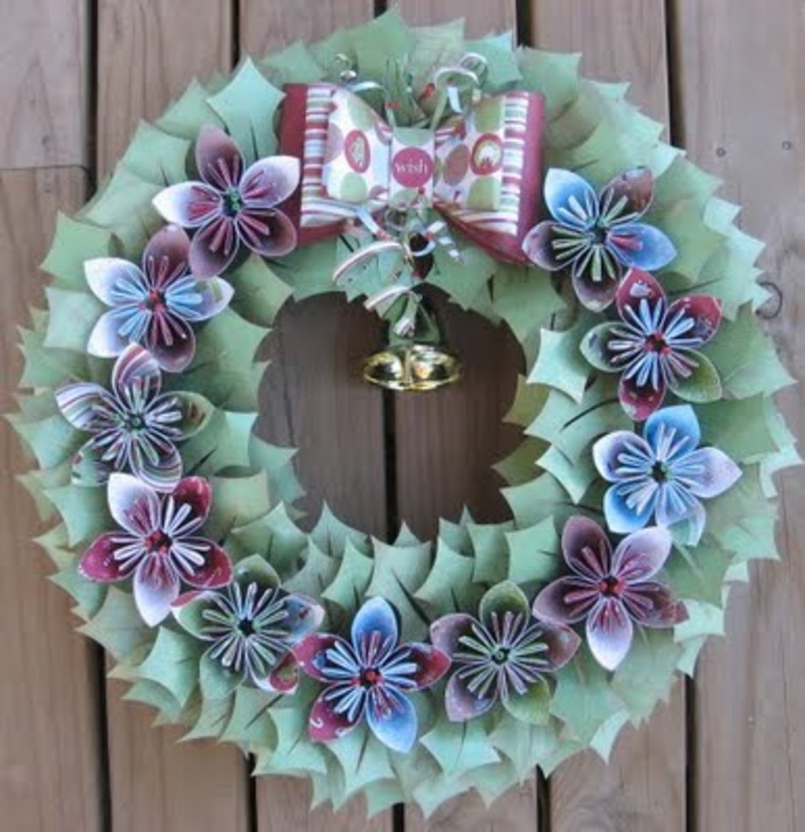 Paper Christmas Wreath thescrapfarm.blogspot.com