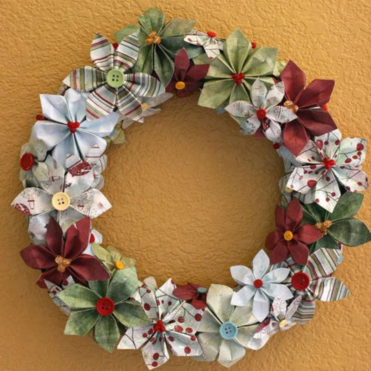 Paper Christmas Wreath missfancy.typepad.com