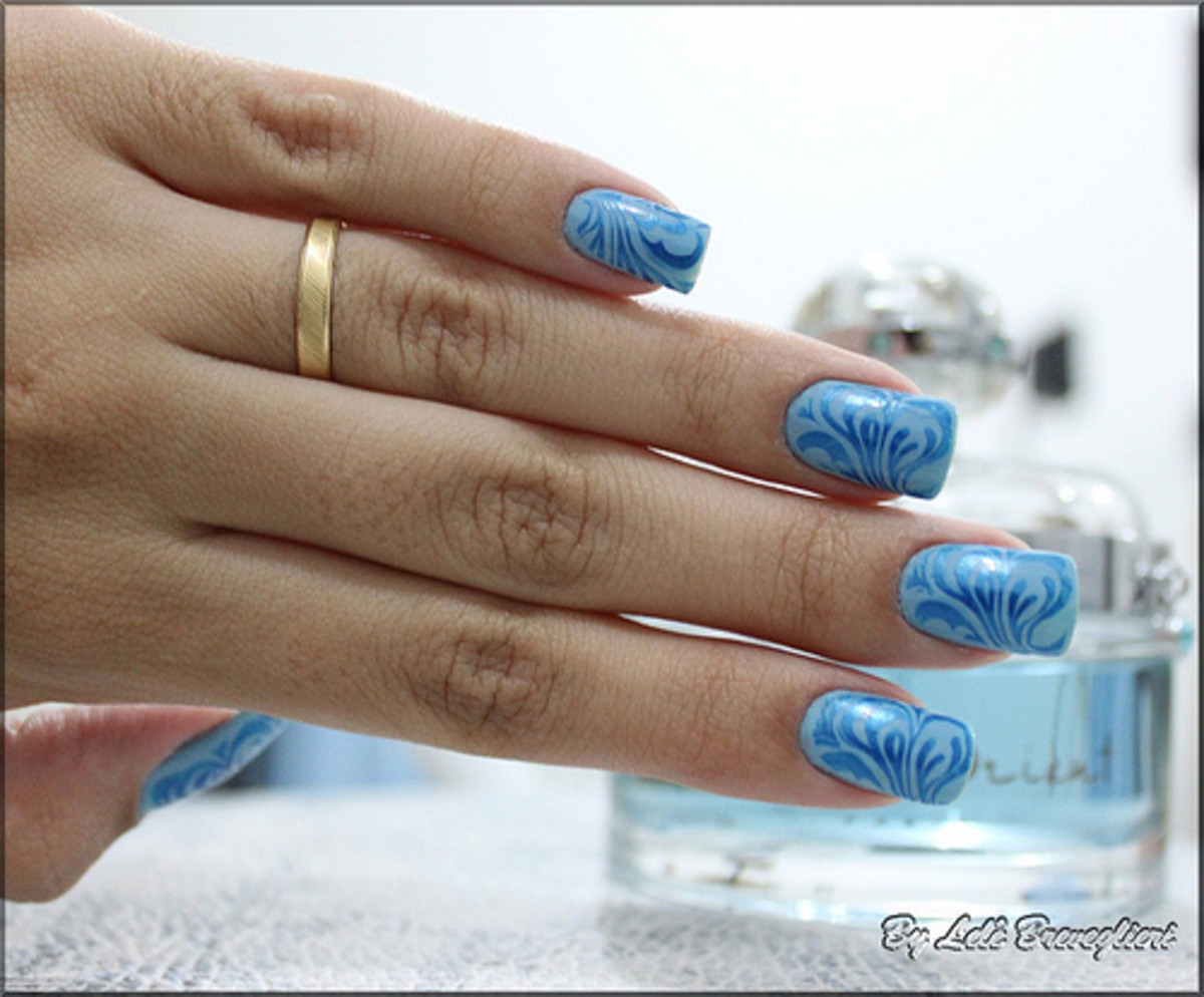 I love this color - these looked airbrushed. Pretty nail designs!