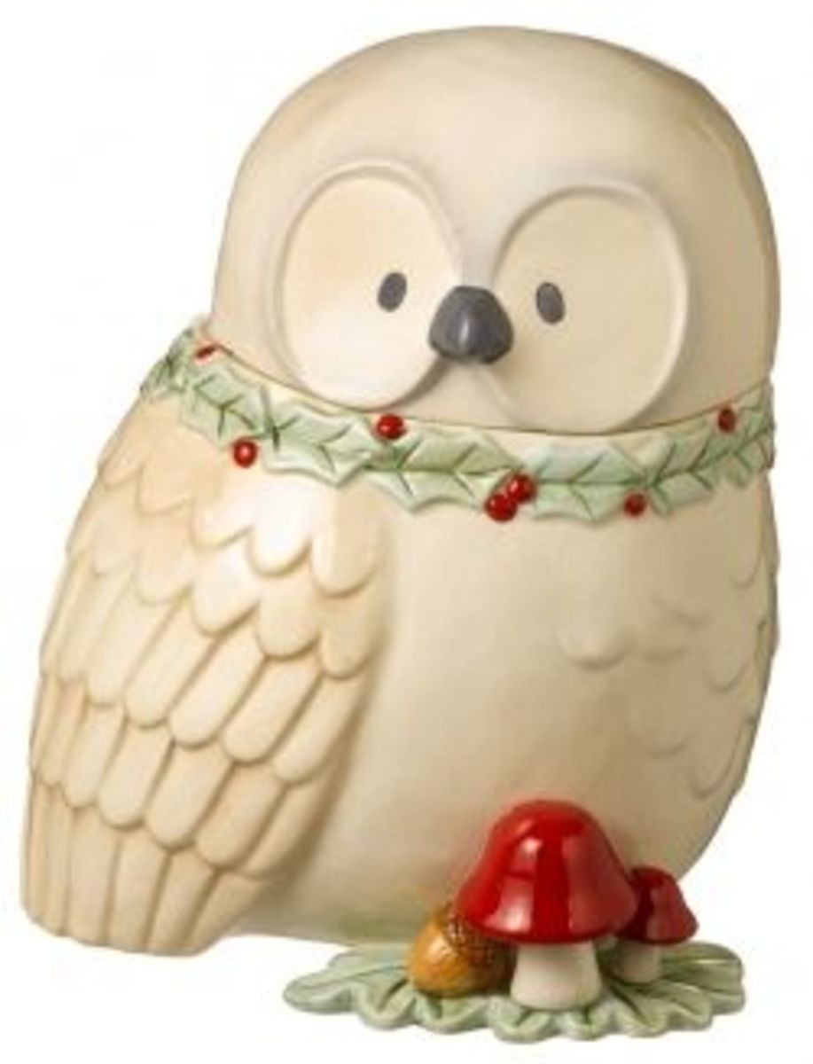 Love Owls?  Then Here's The Perfect Christmas Cookie Jar For Your Holiday Decorating Ideas.   Have you noticed how popular owls are lately?  I see them all over, and no wonder, they are so cute.   Photo Credit:  Amazon