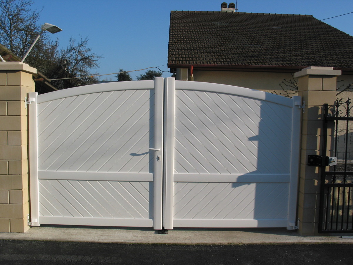 A white finish on Aluminium gates is more common in mainland Europe but is beginning to become more popular in the UK.