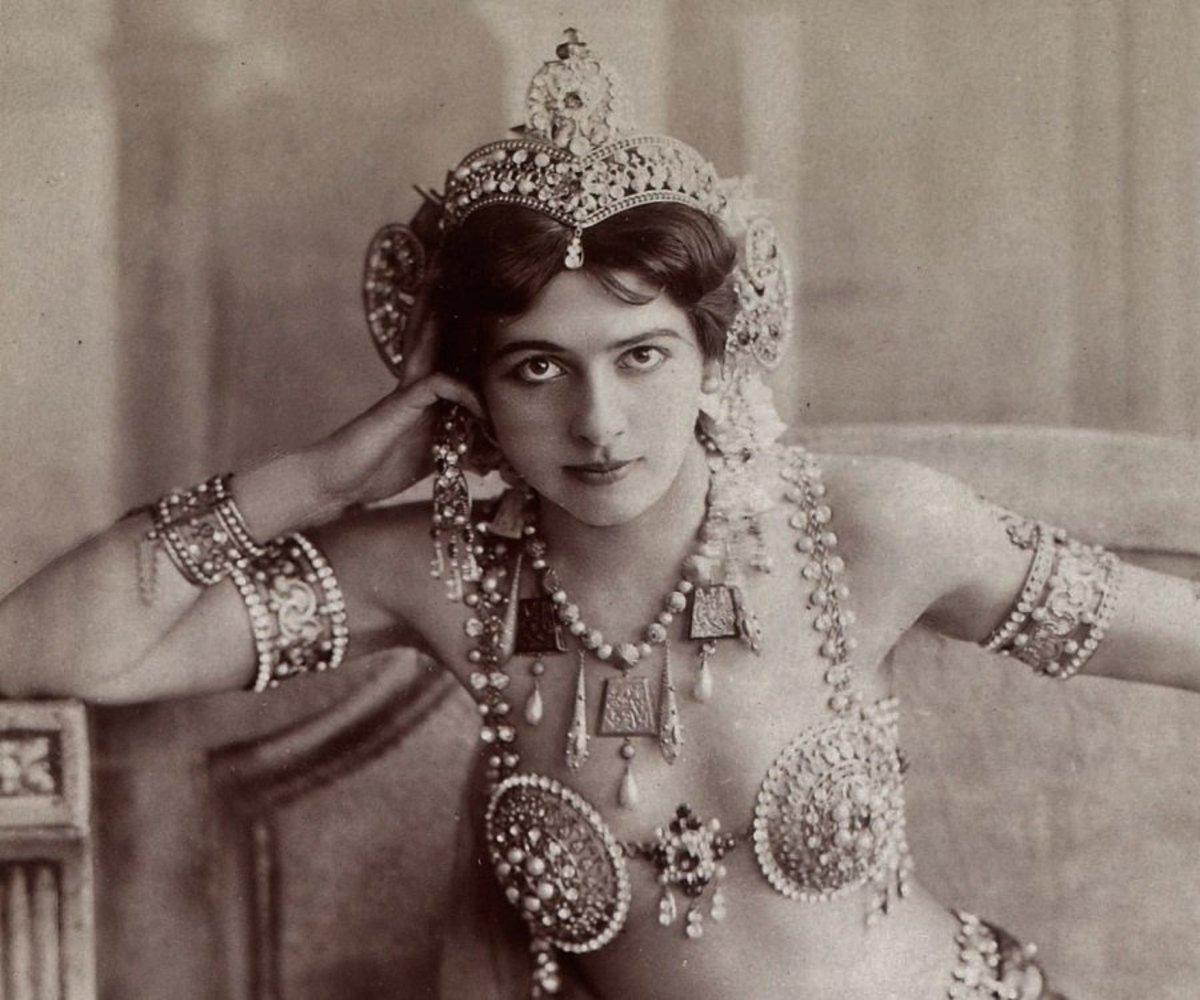 Mata Hari's Costume