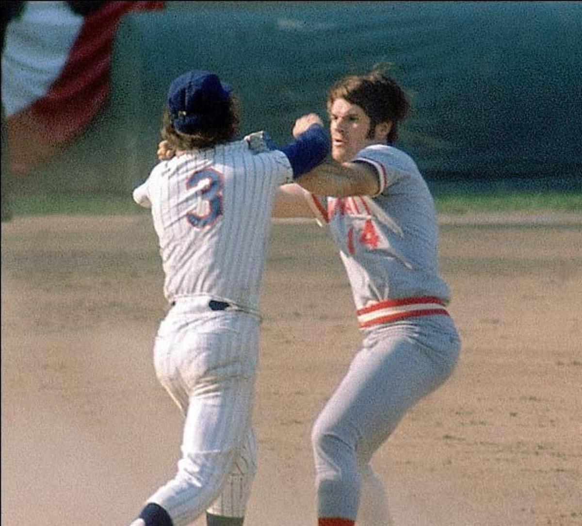 October 8, 1973. Game 3.Bud Harrelson took offense to Rose's hard slide.