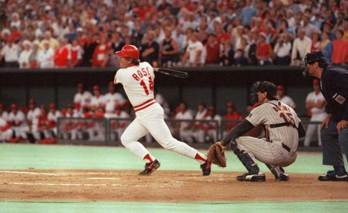 Pete Rose breaking the hit record in 1985.