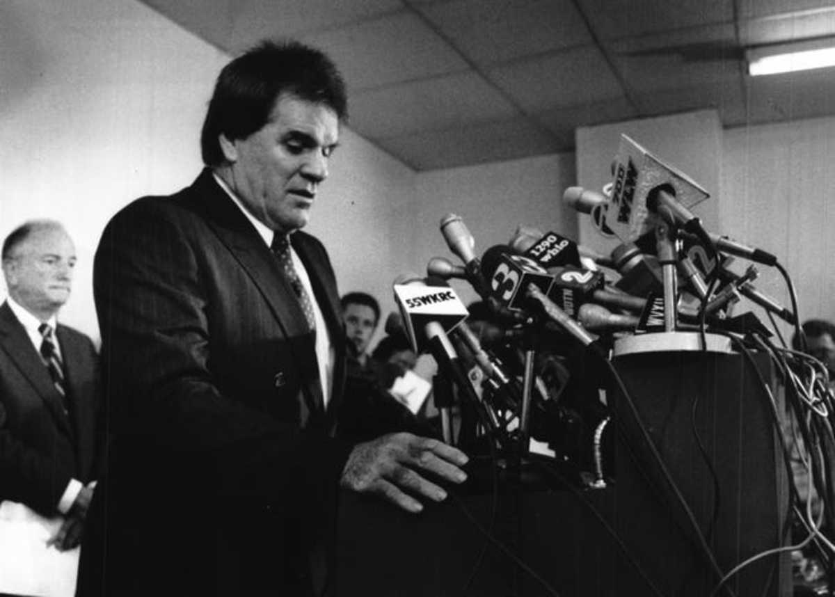 A distressed but still defiant Rose speaks at his press conference in 1989.