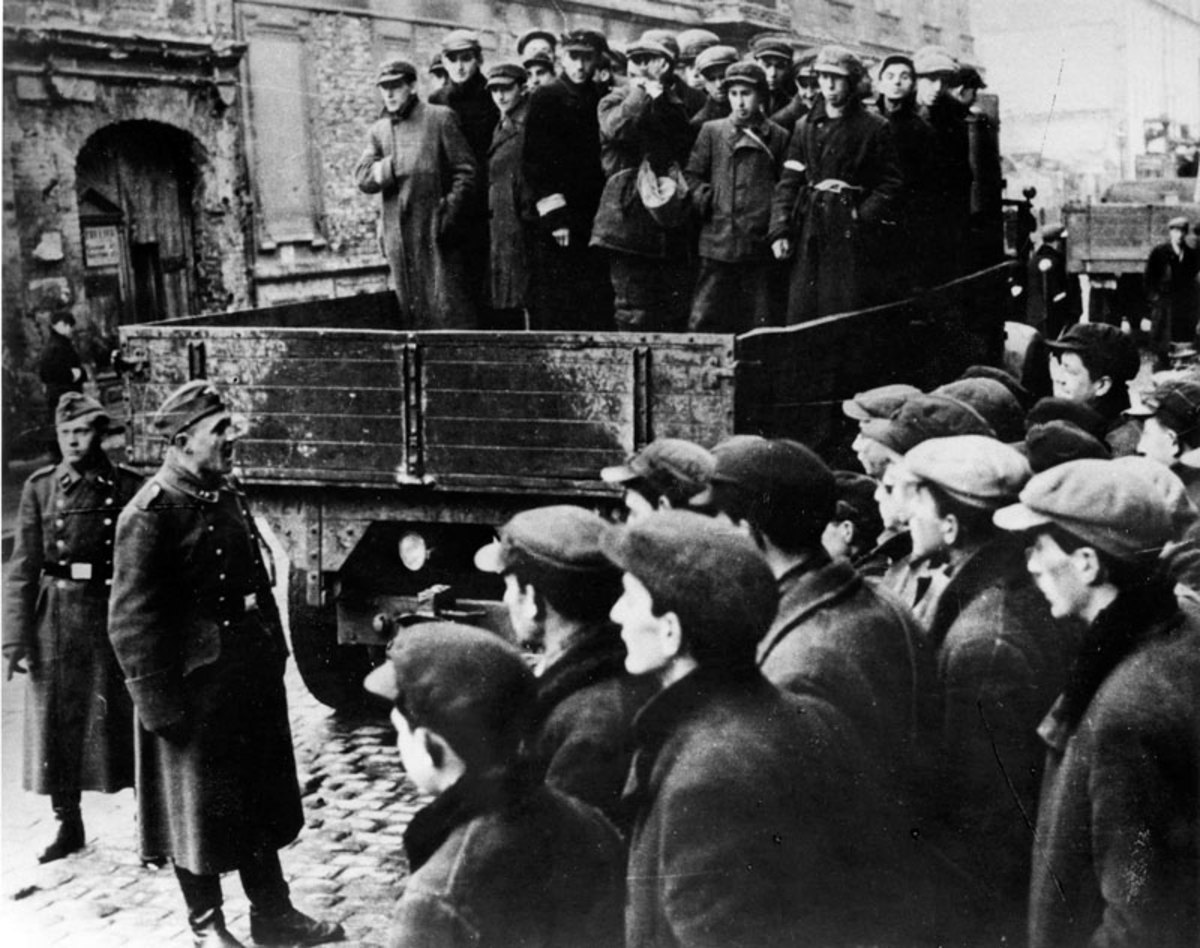 Jews taken away by the Nazis from the Warsaw ghetto to perform forced labor.