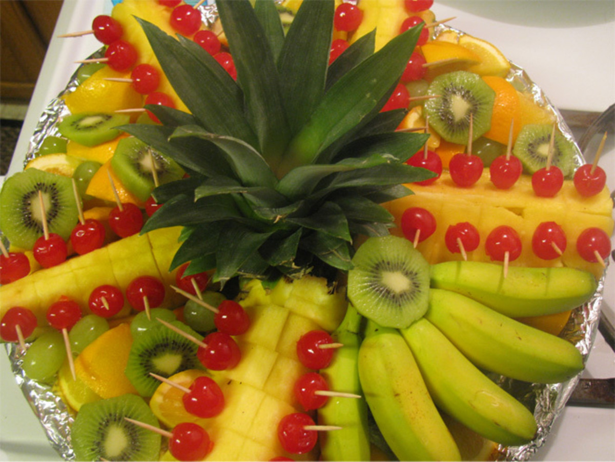 How to Make a Beautiful Hawaiian Fruit Platter - Great for Potlucks & Parties