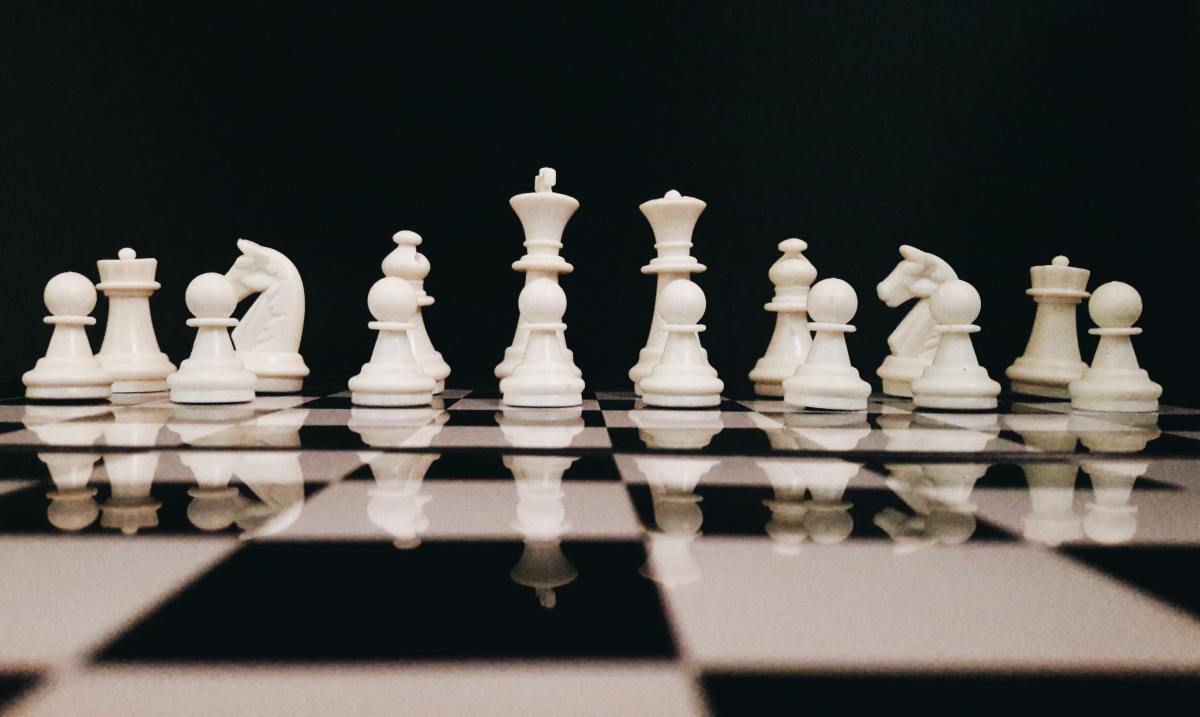 Learn how to play chess with these insider tips.