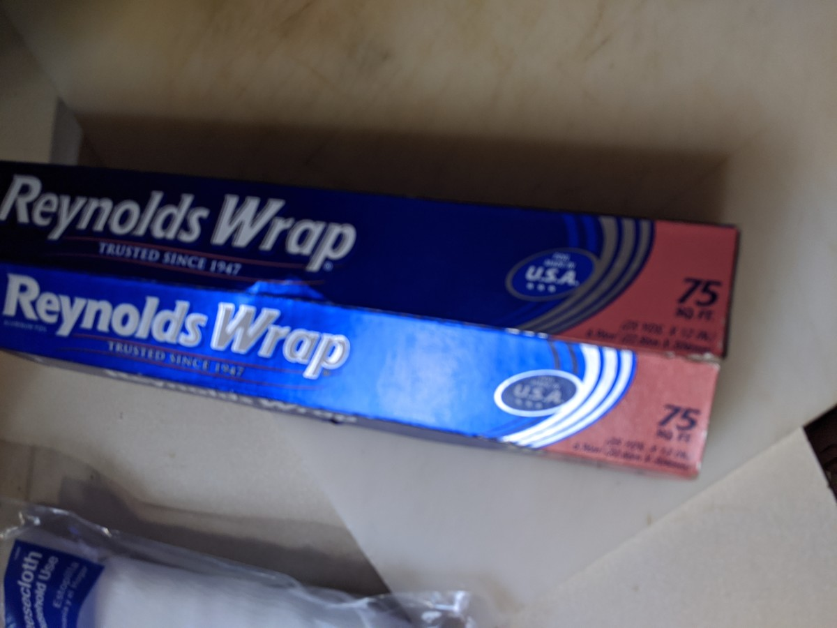 Foil to make crumpled foil balls