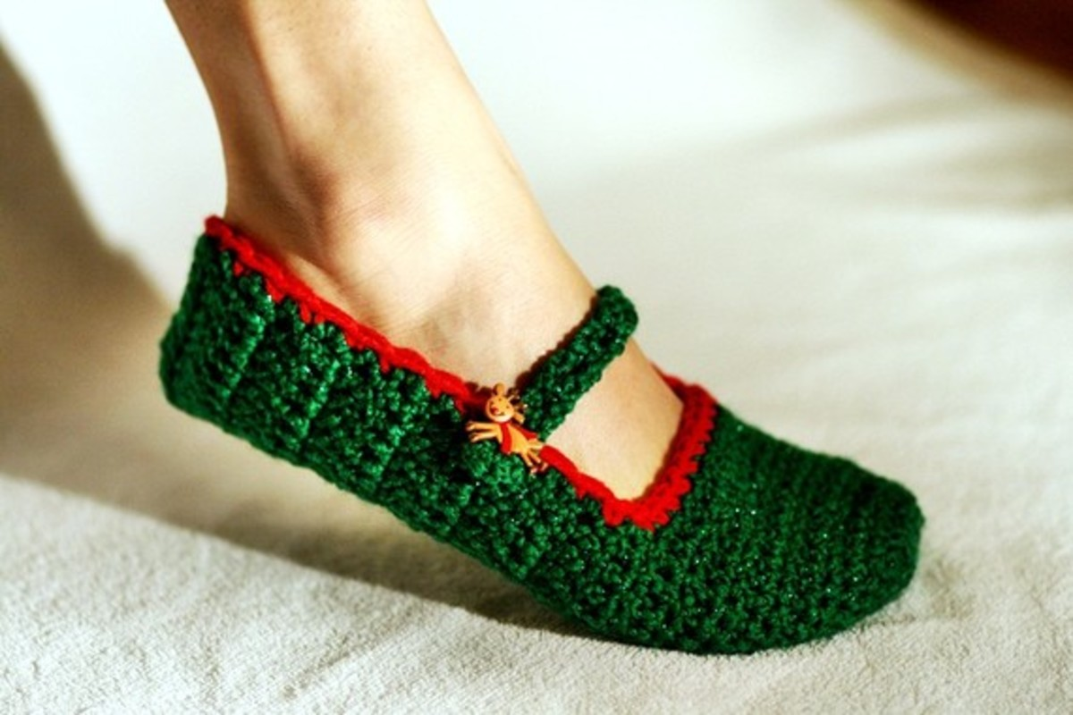 Green and Red Christmas Slippers
