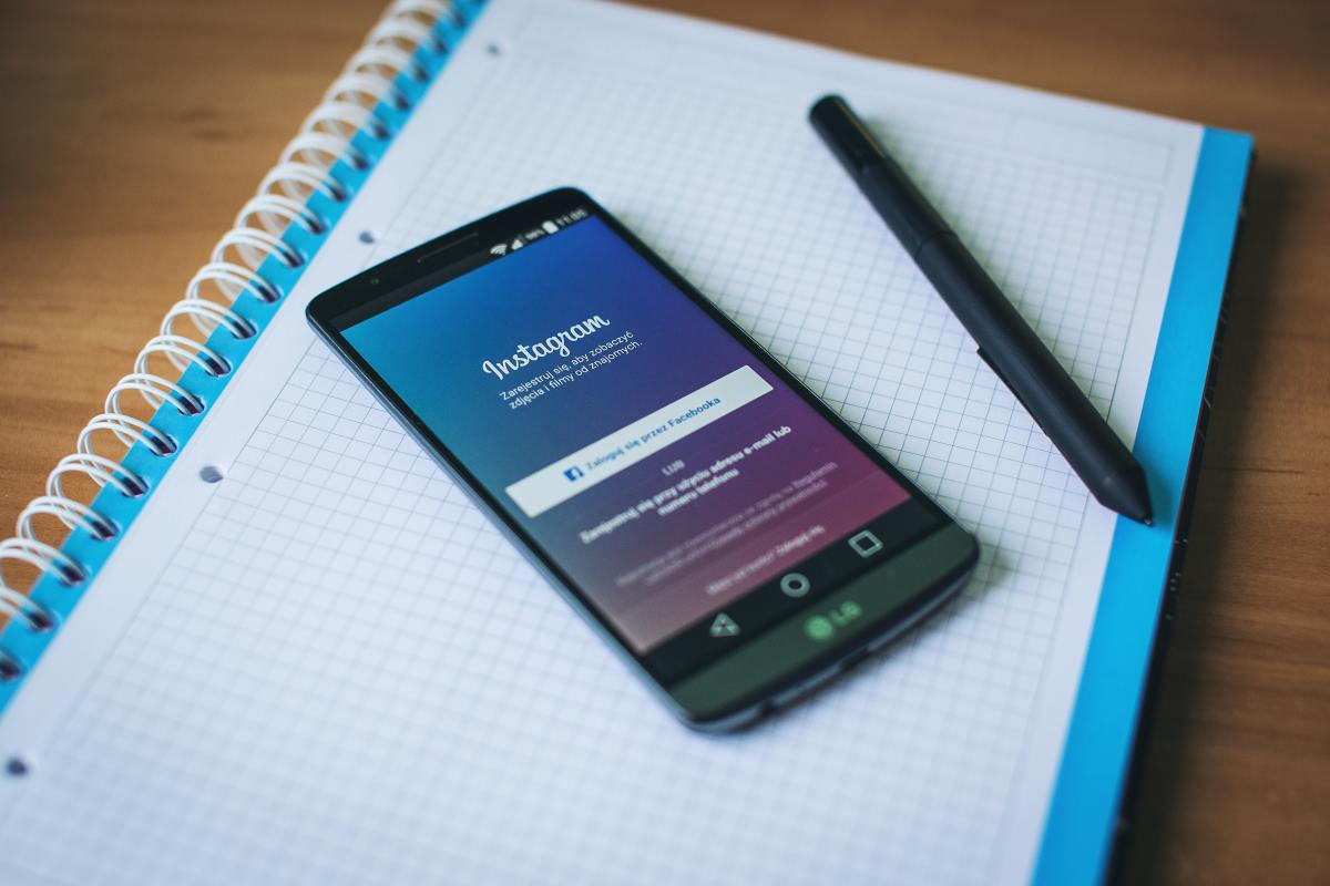 Brainstorm and take notes to discover your niche on Instagram.