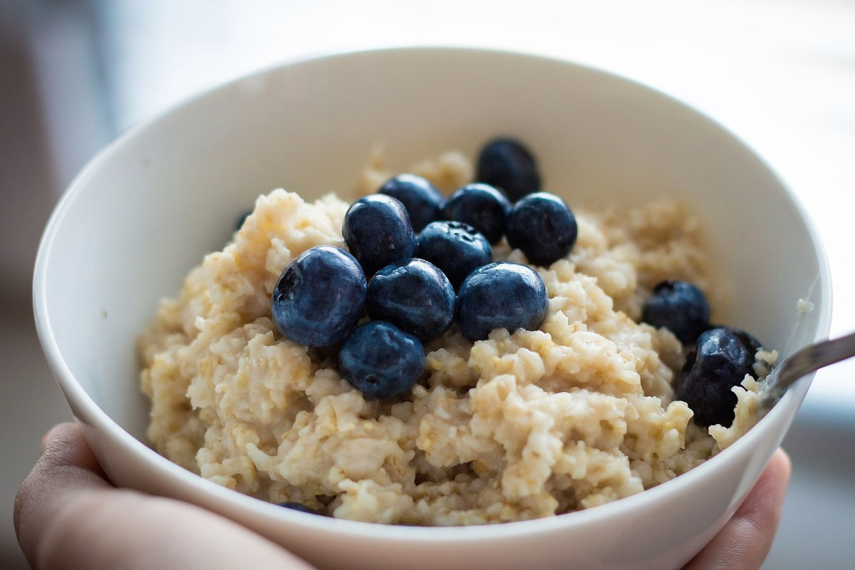 Oats and blueberries