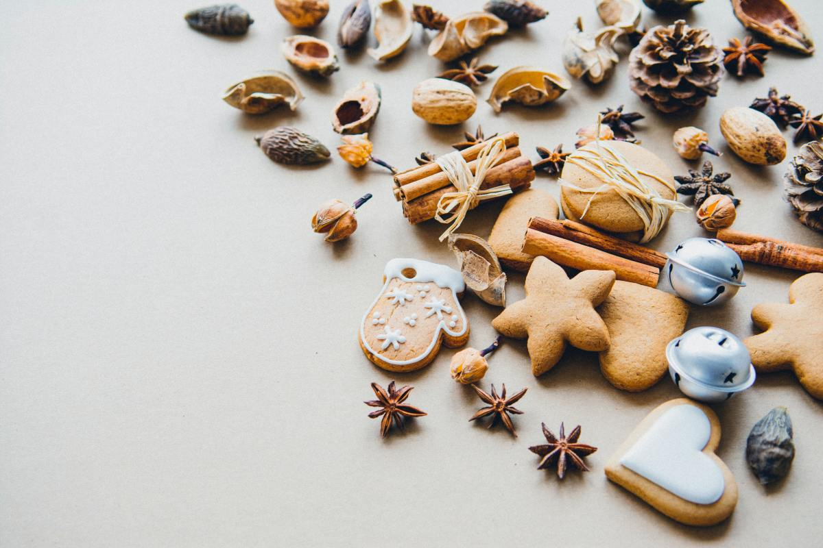 Spruce up your holiday cookie platter with little ornaments, pinecones, and a variety of treats.