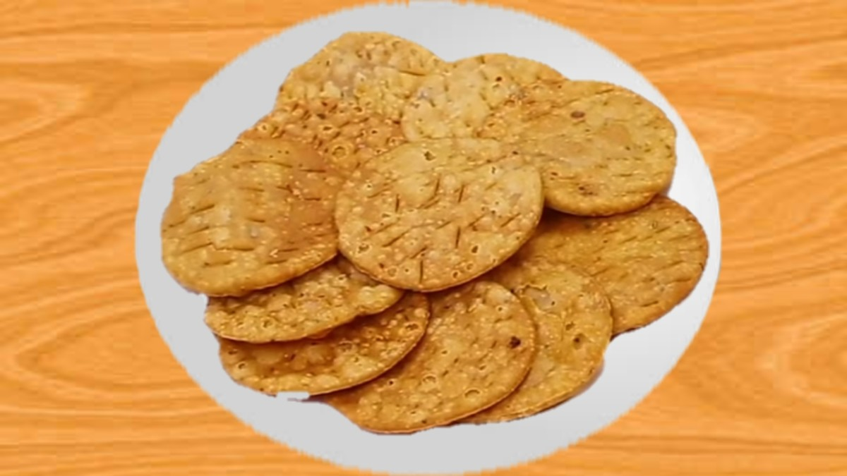 how-to-make-mathri-biscuit-at-home