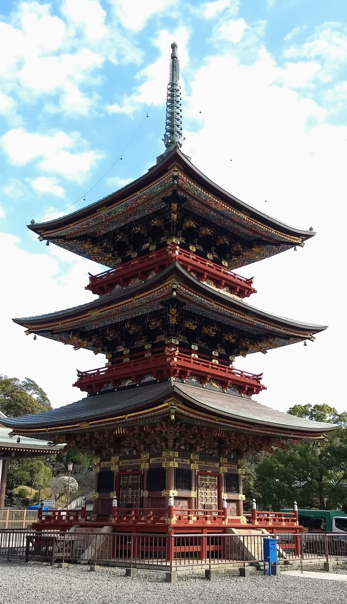 The Three-Storied Pagoda, an Important Cultural Property,  was originally built in 1712.