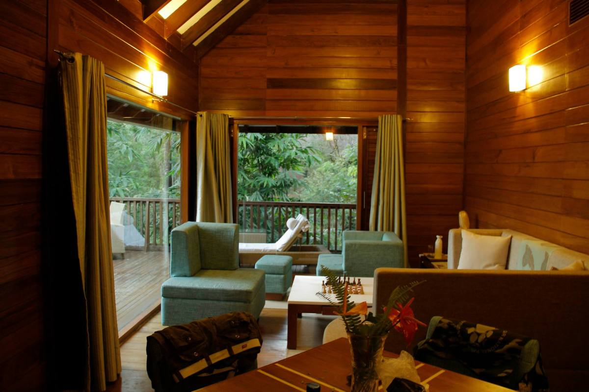 Suite Cottage interior : living room