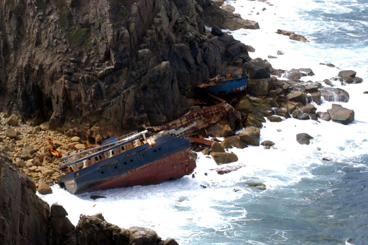 Shipwreck at Sennan beach