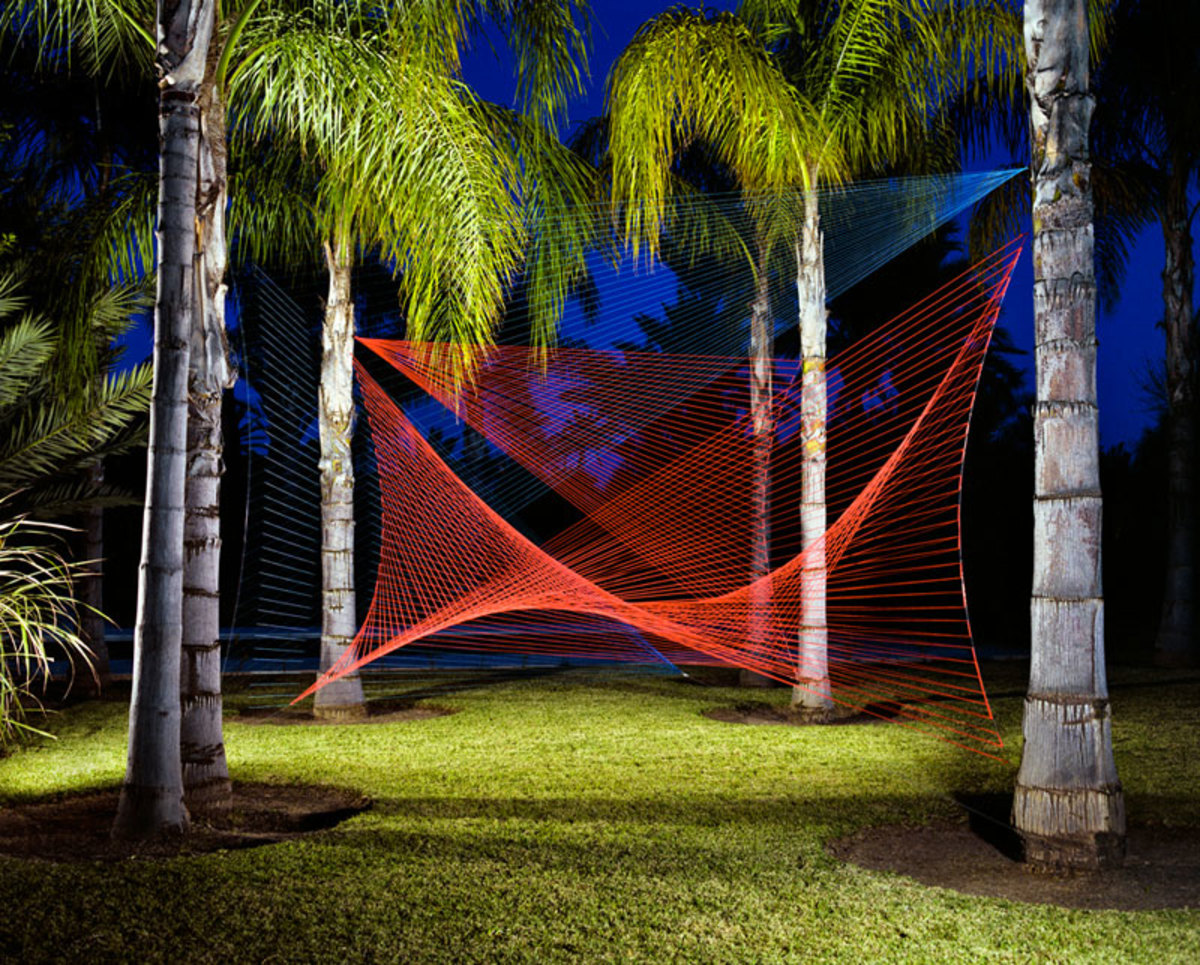 A yarn installation by Sébastien Preschoux