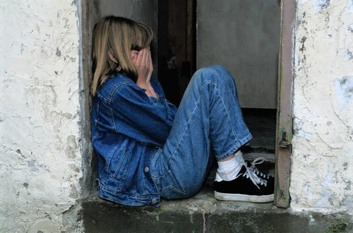 Don't ignore the signs and symptoms of low self esteem in teenagers