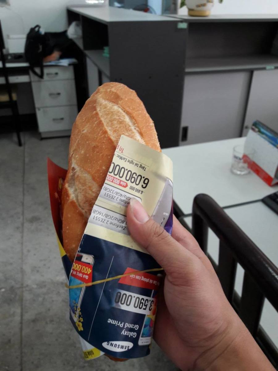 That's how VN's unique baggette bread looks like!