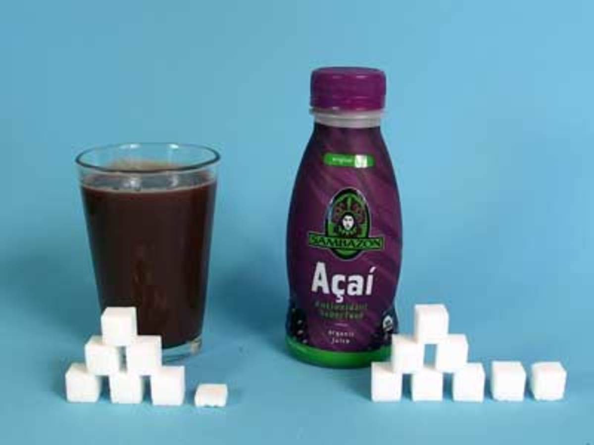 visual guide of how much sugar is in our class of acai or bottle of acai