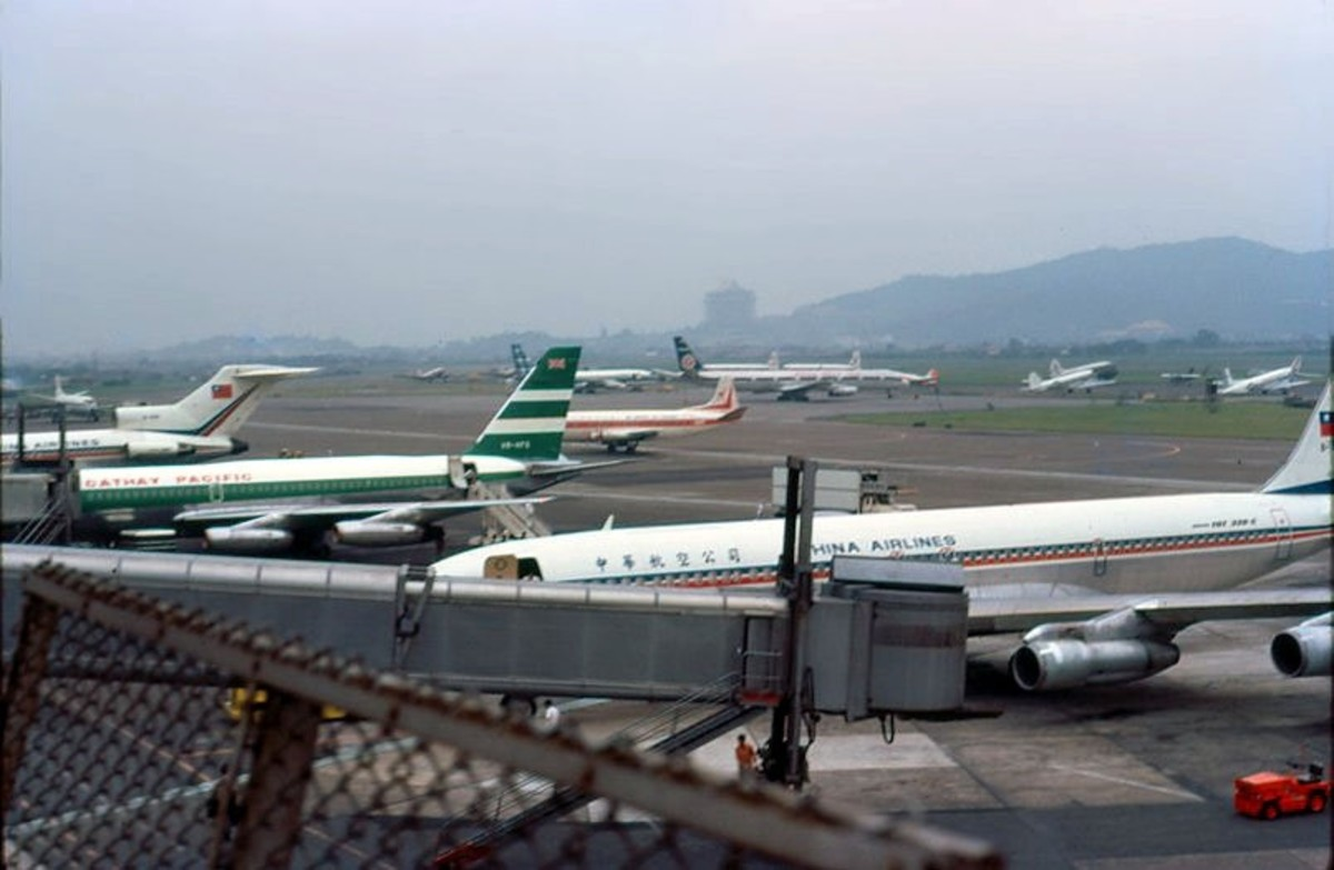 Planes on the tarmac of Songshan Airport in 1973.