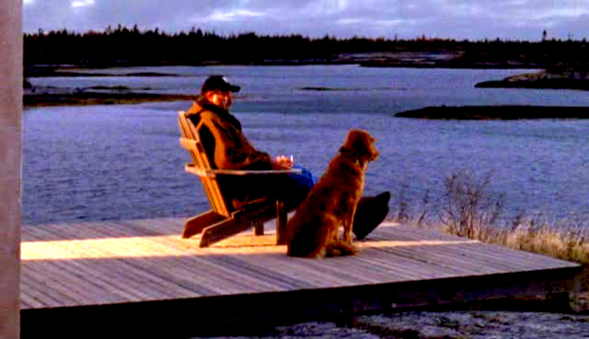 Jesse Stone and Reggie at home in Paradise, Mass. Scene from the Jesse Stone movie series.