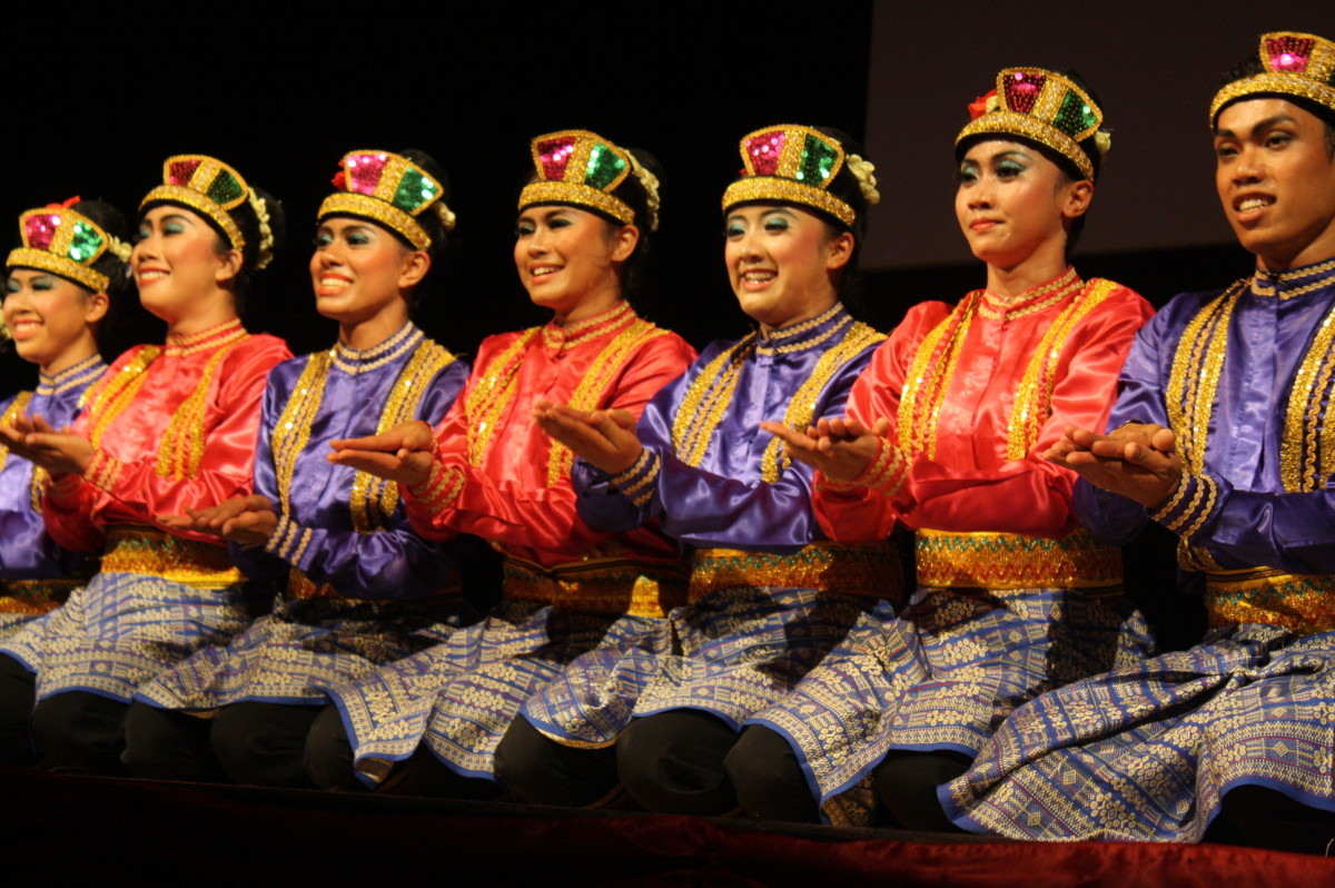 Saman Dance from Indonesia