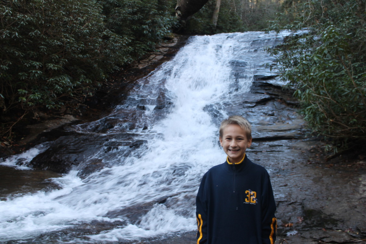 The lower waterfall at Helton Creek Falls