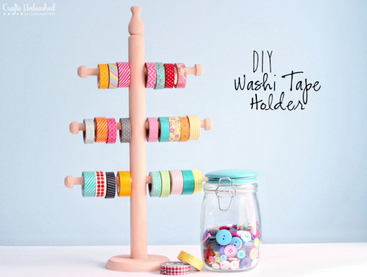 A jewelry holder can be used for storing washi tape. But it can also be used for scissors too !