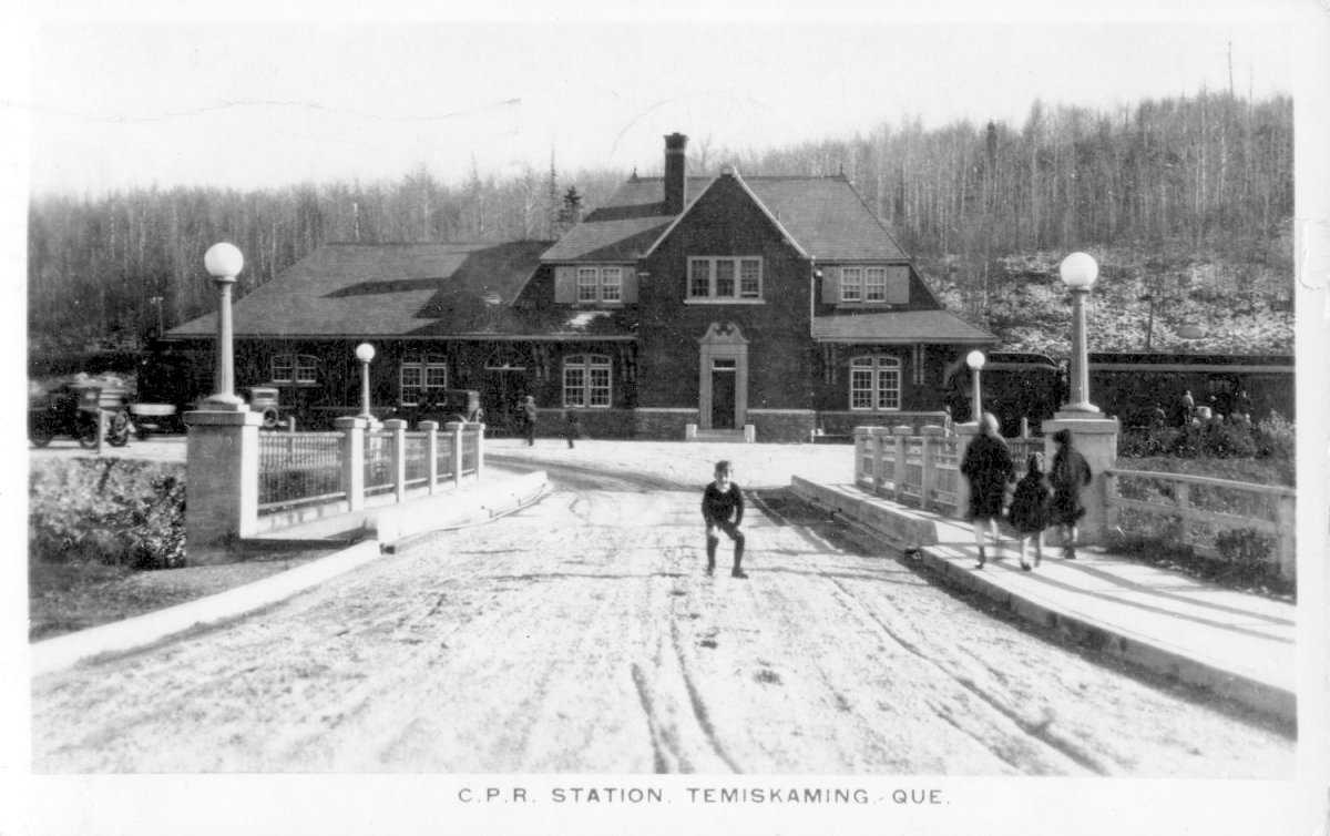 C.P.R. Station, Temiscaming, Quebec Collection Jacques-Poitras
