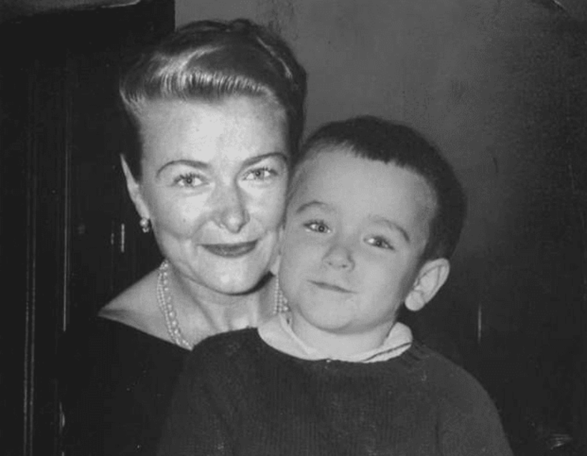 Young Robin Williams with his mother