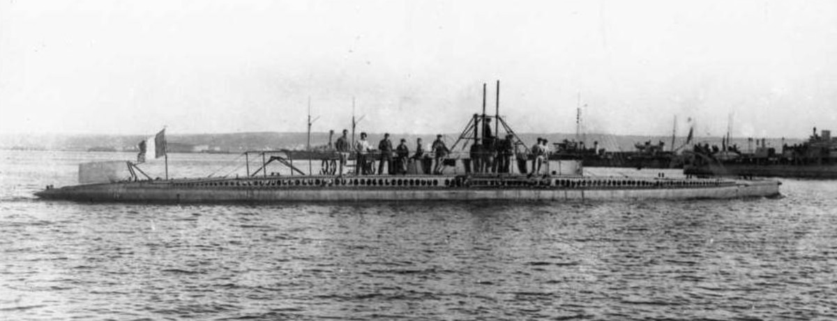 The French submarine Aigrette, the first diesel-powered submarine in the world.