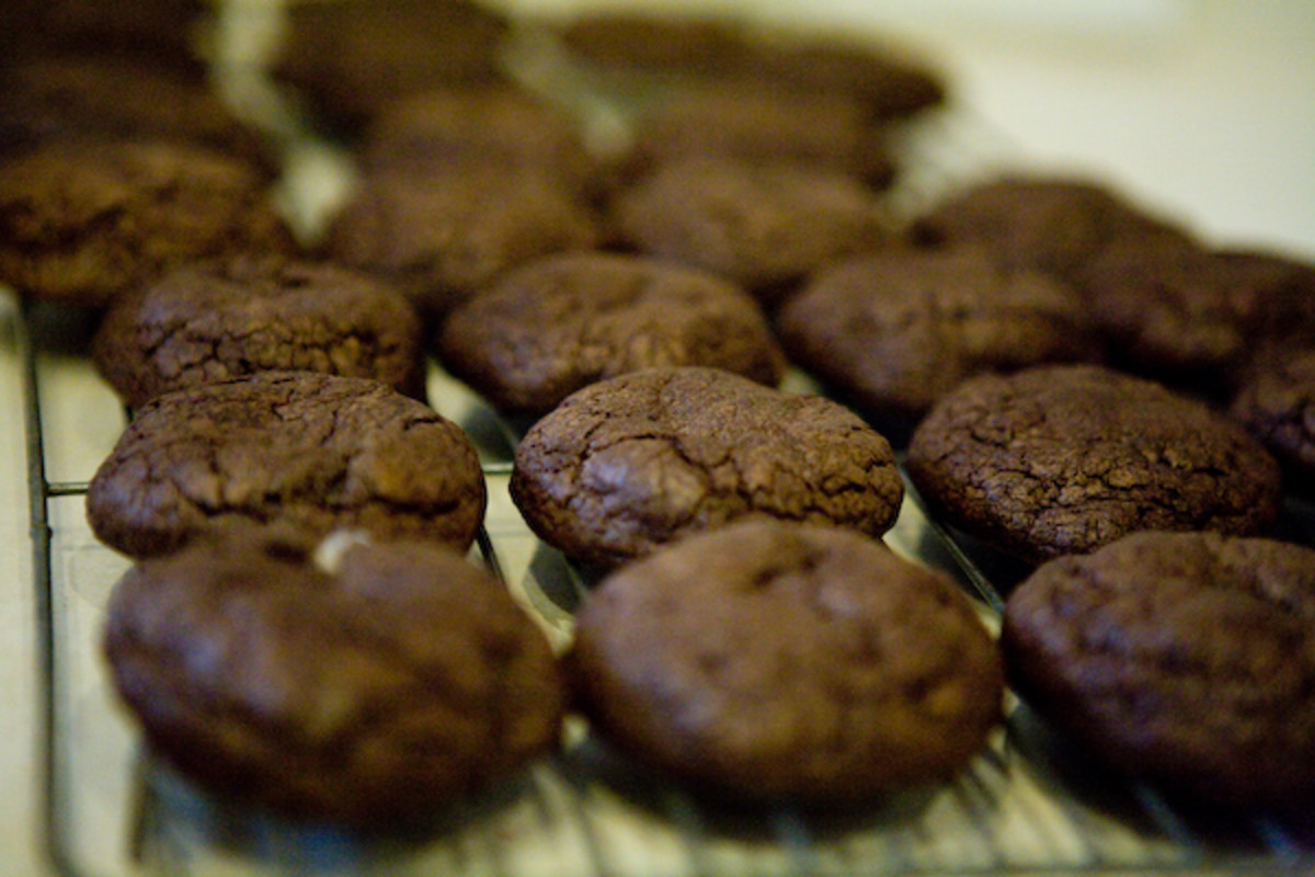 Once the cookies are cooled, reheat the reserved melted chocolate at 10 second intervals until melted.