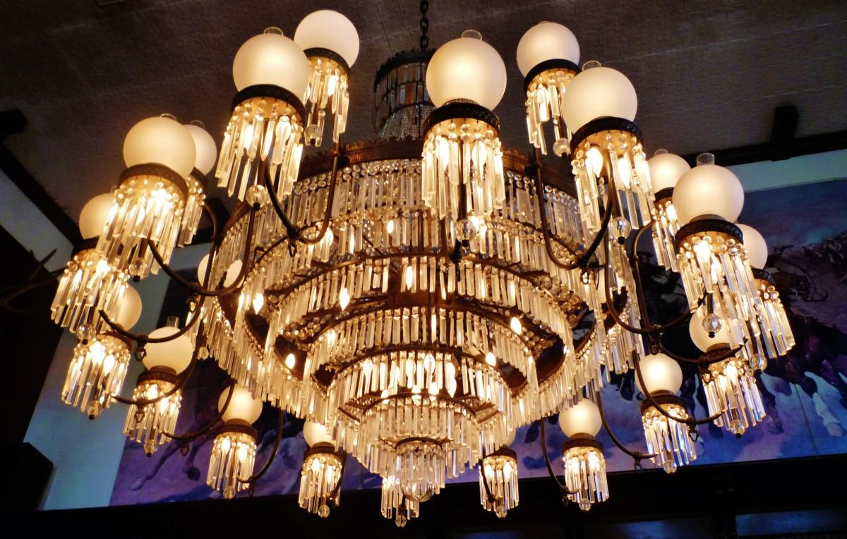 Impressive chandelier!
