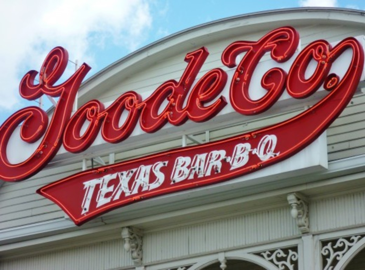 Review of Goode Company Texas Barbeque Restaurant on the Katy Freeway in Houston