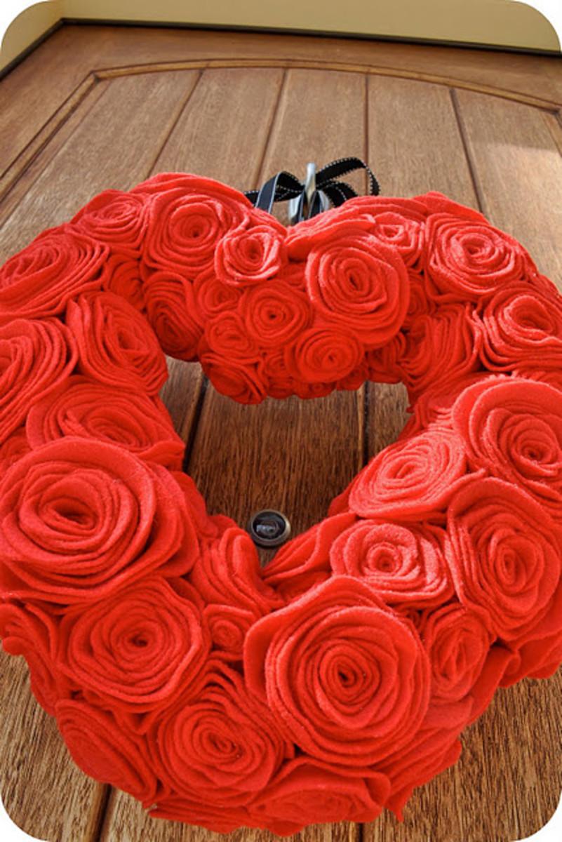 felt Valentine's Day wreath