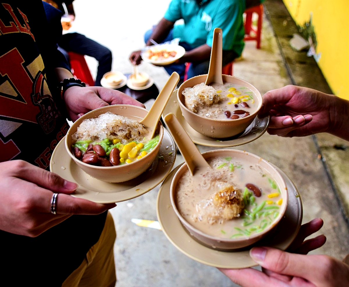 Bowls of Cendol, a favorite desert of Malaysians.