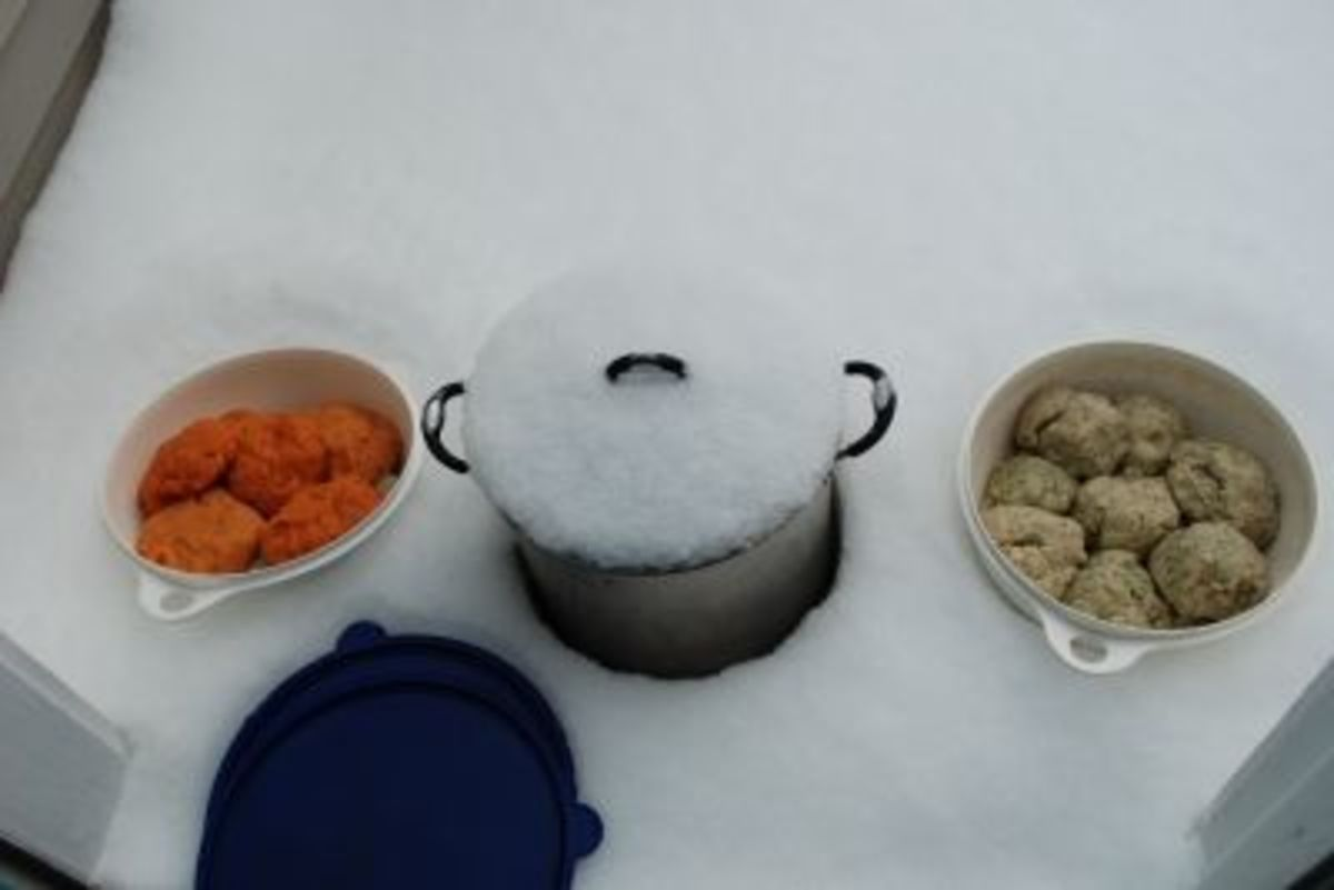 In 2010, we used our balcony to chill our dough, too. The orange dough has paprika added to it.