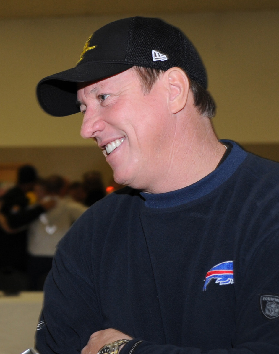 Bills quarterback Jim Kelly suffered four straight Super Bowl losses in the early '90s.