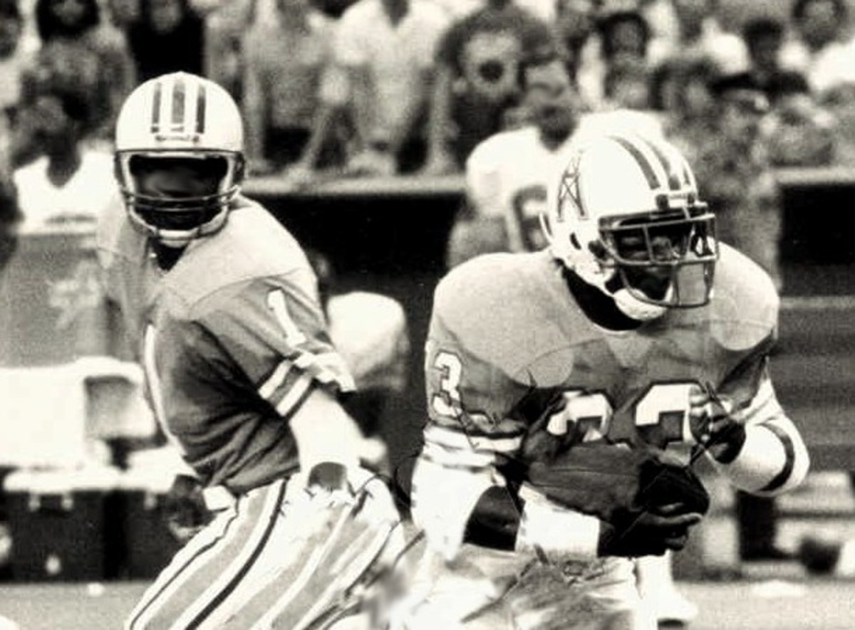 Warren Moon (1) had a decent surrounding cast, including running back Mike Rozier for a time, but never made it to a Super Bowl.