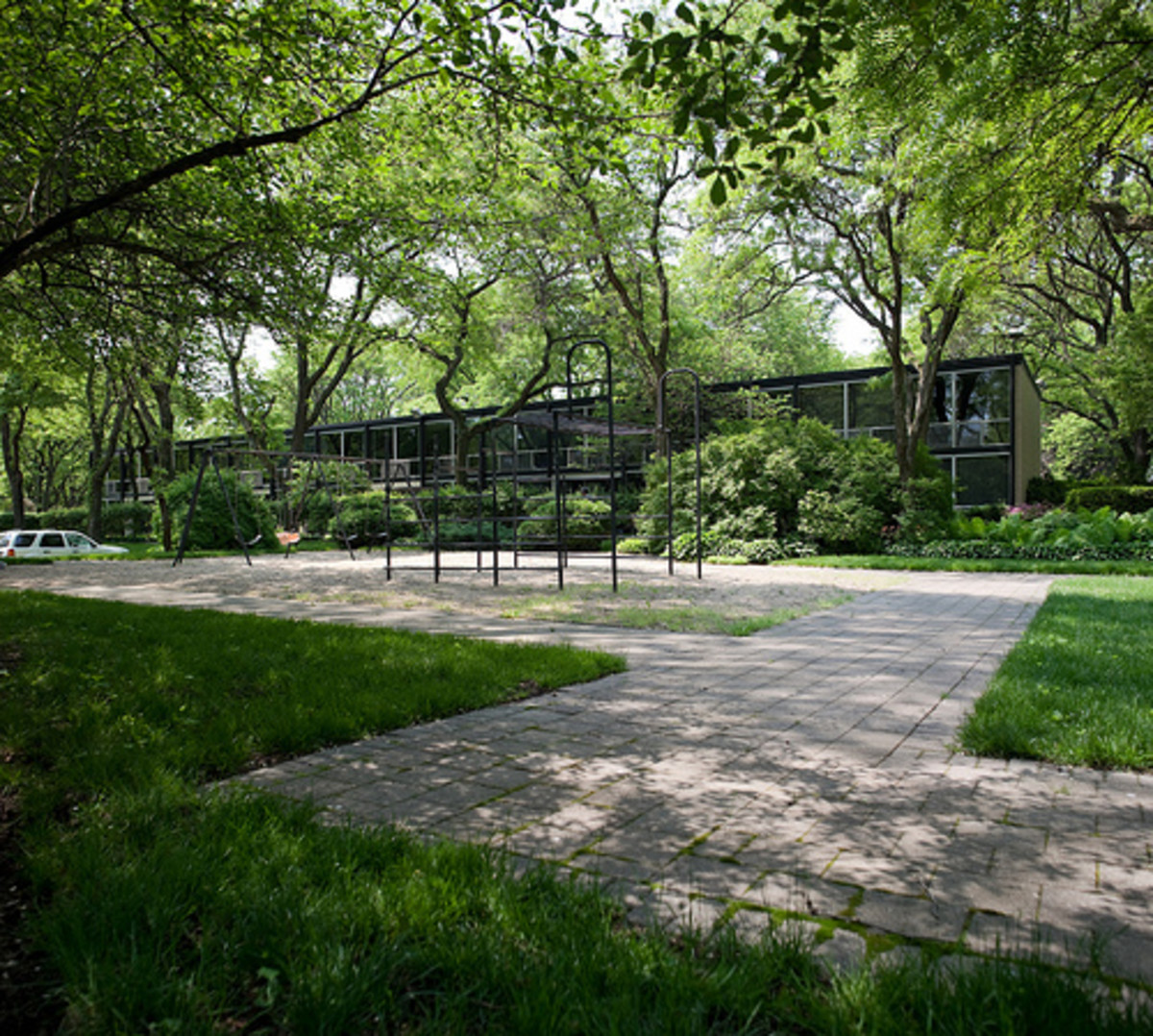 Mies van der Rohe Townhouses